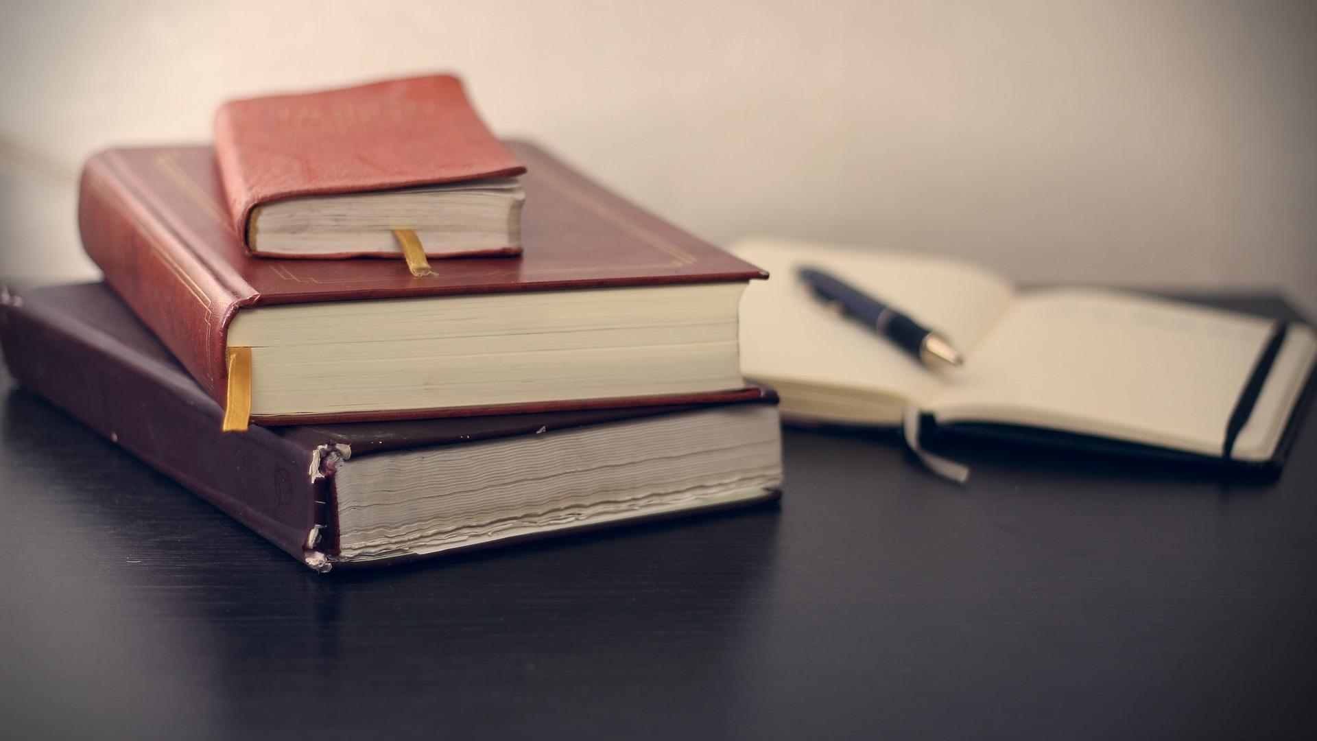Bibliografía y referencias con normas APA