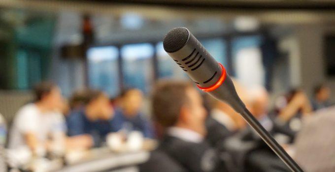 referenciar memorias de conferencias en IEEE